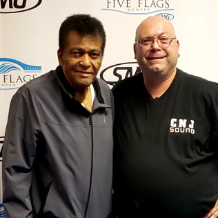 CHARLEY PRIDE (COUNTRY SINGER)